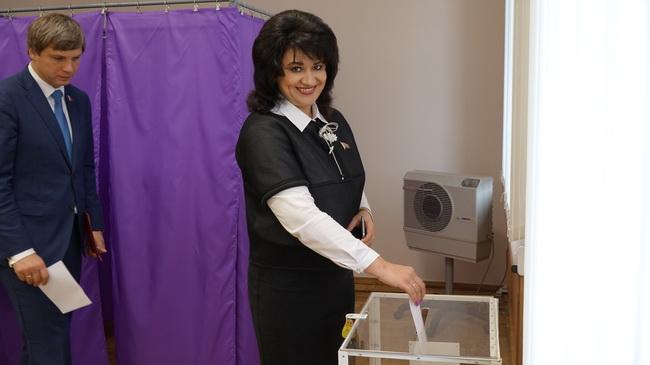 Во время голосования о даче согласия Президенту на назначение Румаса С.Н. Премьер-министром Республики Беларусь.