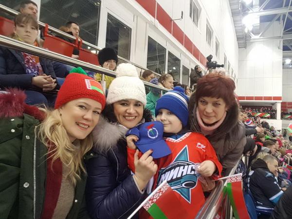 На хокейном матче между командой Президента Республики Беларусь и командой ветеранов хоккея Швейцарии.