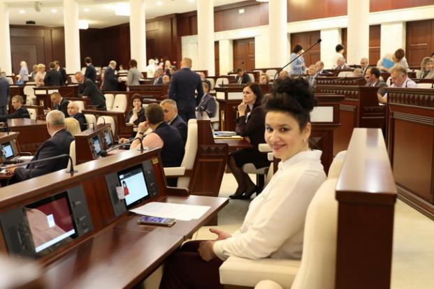 На парламентских слушаниях на тему «Национальная система образования: состояние, законодательное регулирование, пути совершенствования» 10.06.2021